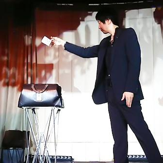 軽井沢エリアの出張マジックエンターテイメント | WONDERFUL MAGIC WORLD -マジシャン池田太郎-