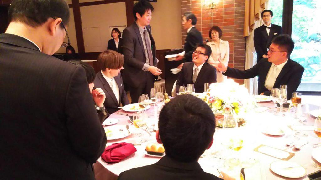 披露宴テーブルマジック写真